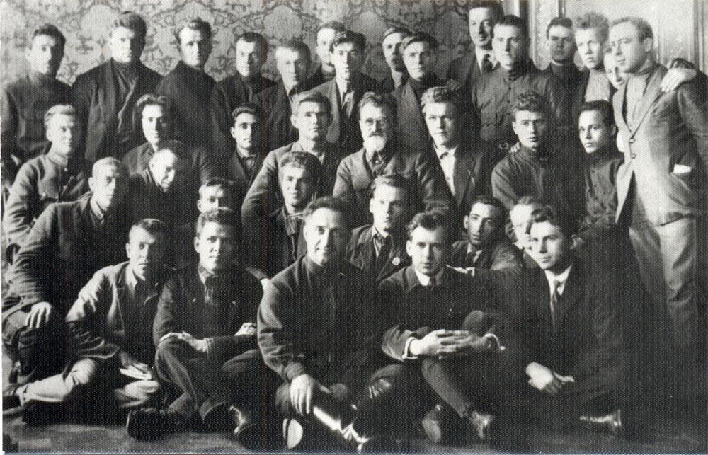 379 репринтное издание книги история всесоюзной коммунистической партии (большевиков): краткий курс (1945)